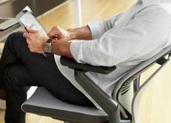"""Sedute per ufficio per lavori """"sedentari"""""""